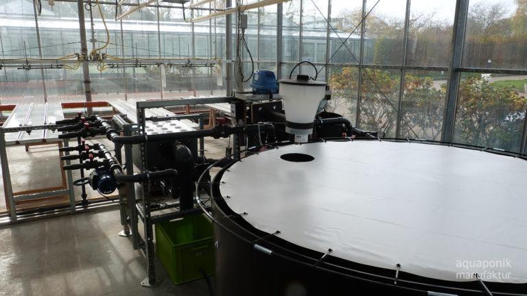 Aquaponik-Anlage in Form einer universellen Forschungsanlage